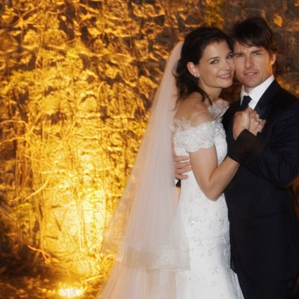 Tom+Cruise+and+Katie+Holmes+pose+together+at+Castello+Odescalchi+on+their+wedding+day+November+18,+2006+in+Bracciano,+near+Rome,+Italy