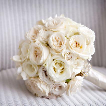 bidermajer od prirodnog belog cveća