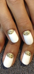 nokti sa šljokicama