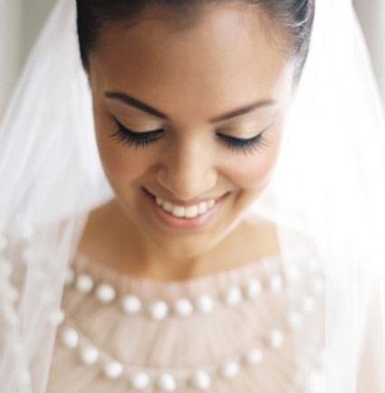 Šminka za venčanje je veoma važna, ona izražava mladine lepe crte lica što nam dokazuje ova Instagram fotografija.
